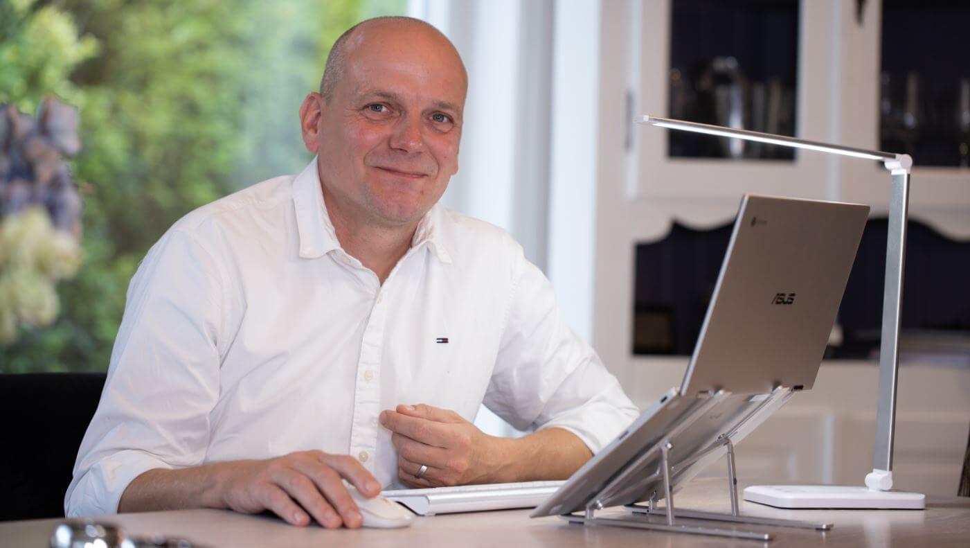 bas westerbeek HomeOfficeShop